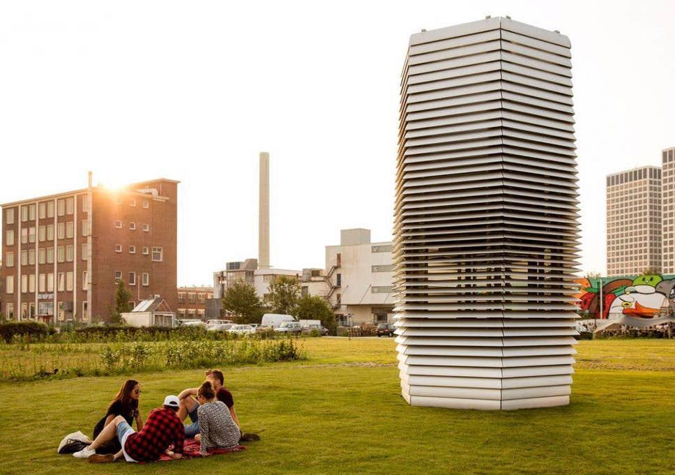 """Daan Roosegaarde's """"Smog-Free Tower"""""""